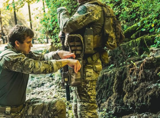 WHAT'S IN MY COMBAT MEDIC BAG? | IFAK